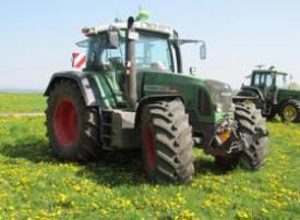 El sistema de guiado automático con controlador AutoTrac en tractores de otras marcas