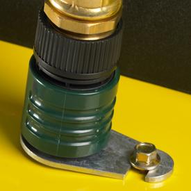 Boca de lavado de la cortadora de césped con un adaptador para manguera.