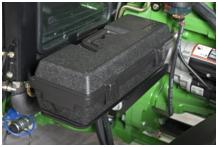 Caja de herramientas en el Tractor con Cabina 5E
