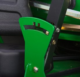 Lever position open (latch standard on MCS-equipped models only)