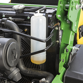 Radiator coolant reservoir