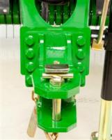Front view of adjustable hitch