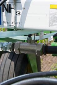 Le système AccuFlow applique le NH3 avec précision