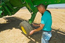Étape2: verrouillez les roues de profondeur et les roues de transport de droite