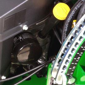 Tube de remplissage, filtre et robinet de vidange de l'huile moteur