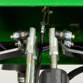 Tringlerie de commande de la transmission hydrostatique
