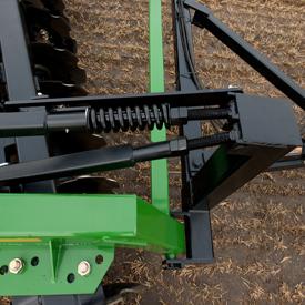 Pour garder l'instrument de niveau dans le sol et pendant le transport