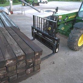 Le chariot à fourche QC1072 est idéal pour manutentionner des objets larges et volumineux.
