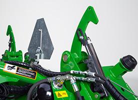 Dispositif de verrouillage pour le transport des faucheuses arrière (ici sur une faucheuse-conditionneuseR990R)