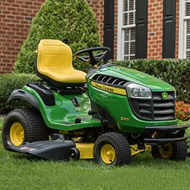 Tracteur D155 doté d'un système de coupe Edge™ de 122cm (48po)