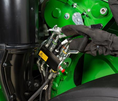 Raccordement hydraulique à point unique sur le chargeur 600R