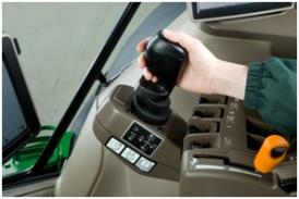 Console CommandArm™ de tracteur 6R avec levier de commande électronique
