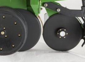 Ouvre-sillons pour engrais à disque double monté sur élément