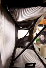 Accès au ventilateur aspirant et au radiateur