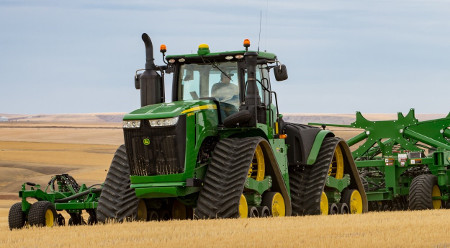 Tracteur 9RX avec système IPM hydraulique d'ensemencement