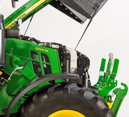 Panneaux latéraux fixés au tracteur6120M