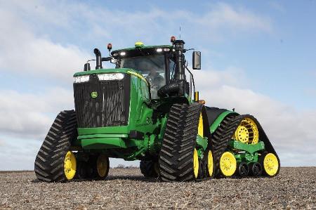 Tracteur9RX avec chenilles de 91,4cm (36po) et espacement des chenilles de 304,8cm (120po)