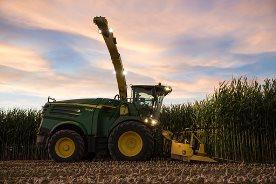 Die automatische Anhängerbefüllung Active Fill Control vereinfacht die Ernte bei Nacht