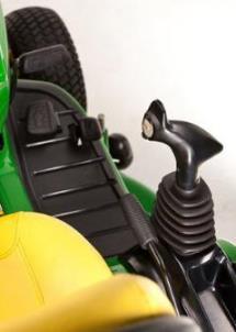 Ergonomischer Multifunktionshebel zur Bedienung aller Hydraulikfunktionen