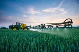 Intelligente Feldspritzenfunktionen ermöglichen eine präzise Pflanzenschutzmittelausbringung, erhöhen die Produktivität der Spritze und senken die Betriebskosten