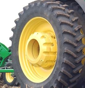 8330 abgebildet mit zwei 450-lb-Gewichten, einem165-lb-Gewicht
