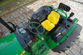 5GF-Traktor mit offener Fahrerplattform
