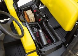 S4 optionale Ablage unterhalb des Fahrersitzes