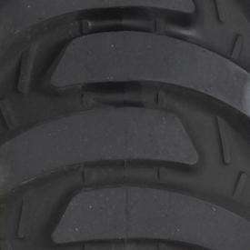 Ancho de vía con neumático trasero R4 (LVB25494)