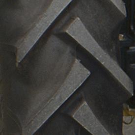 Ancho de vía con neumático trasero R1 (LVB25495)