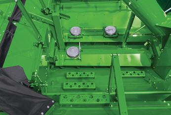 Tres sensores en el depósito miden el peso del grano.