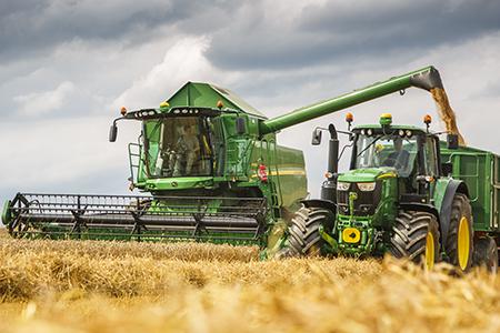 Depósito de grano de 11000 L (312 bu) con capacidad de descarga de 125 L/seg (3,55 bu/seg)