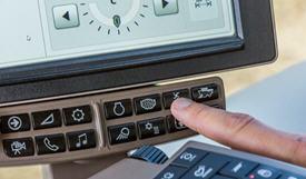Las 14 teclas de acceso directo debajo de la pantalla para una navegación rápida y sencilla