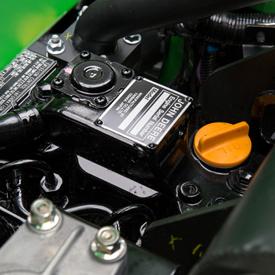 Motor diésel tricilíndrico refrigerado por agua
