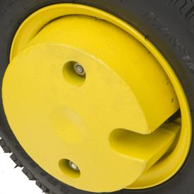 Se muestra un contrapeso de la rueda delantera de 13,6kg (30lb)