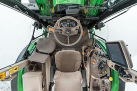 Tractor con cabina de las series 6MC y 6RC
