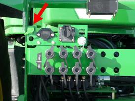 Enchufe del freno en tractor Serie 9030 con traílla