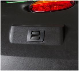 Interruptor del enganche de 3 puntos en el guardabarros del 9R