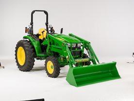 Tractor 4M con pala cargadora D170