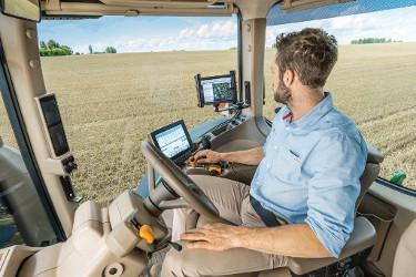 Sonoridad excepcionalmente baja de 69 dB(A) que asegura una jornada de trabajo más relajada (Tractores 8R)