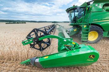 Le transfert actif du grain permet d'assurer la régularité du flux de récolte.