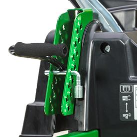 Réglage de la hauteur de coupe/levage du carter de coupe (Z525E shown)