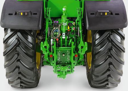 Jusqu'à 223l/min (58,9gal/min) de puissance hydraulique pour les équipements les plus grands