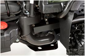 Vue latérale de l'admission et de l'embrayage de la transmission variable continue à la fermeture (XUV855M illustré)