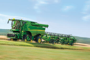 With the S-Series you´ll spend less time travelling to the field and harvest more hectares faster