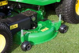 High-capacity stamped and rolled mowing decks 48-in. (122 cm) and 54-in. (137 cm) with commercial-grade gear boxes