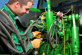 Plug the baler into the ISOBUS harness, the system will recognize it