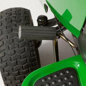 r4a032372_13_d105_clutch_brake_pedal.jpg