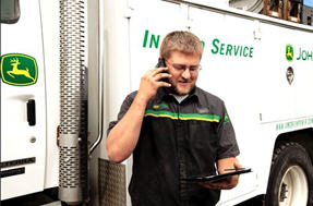Technician viewing DTCs and machine locations