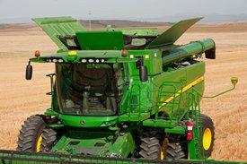 S660 with 10,600-L (300-bu) grain tank