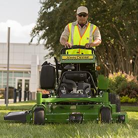 QuikTrak™ Mower mowing (652R shown)